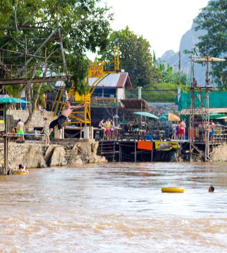 Tubing and drinking - Vang Vieng (Laos)